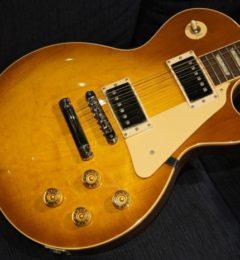 ロックの日!! 店頭にて自慢のロックギターフレーズを披露してください!!本日限定の粗品プレゼント!!