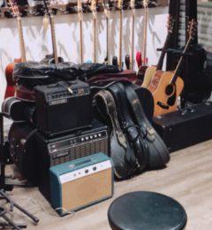 ギター・マンドリン出張買取依頼ありがとうございます!!一宮市で出張買取をしてきました!!ギターを売るならサウンドナイン!! 「一宮店」