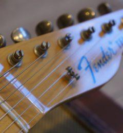 12月もしっかりギターの高額買取します!!ギターを売るなら全国トップクラスのサウンドナインへ!!月末はおちよぼ稲荷で決まり!!