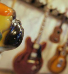 Guitarshopサウンドナインお茶の水店! Instagram Twitter フォロワー様に特製ピックプレゼント!